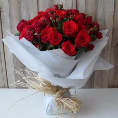 Amour by Magic Touch Bahrain Flowers Delivery