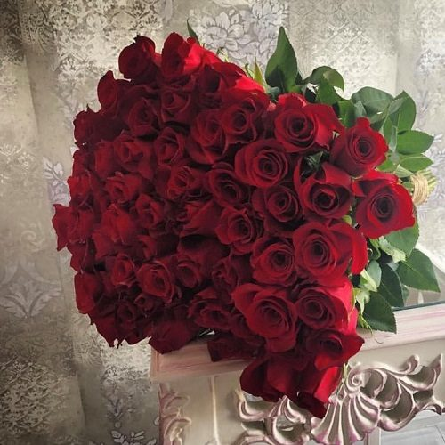 Love Bouquet by Pari Bahrain Flowers Delivery
