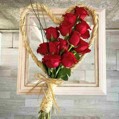 Love You by Pari Bahrain Flowers Delivery