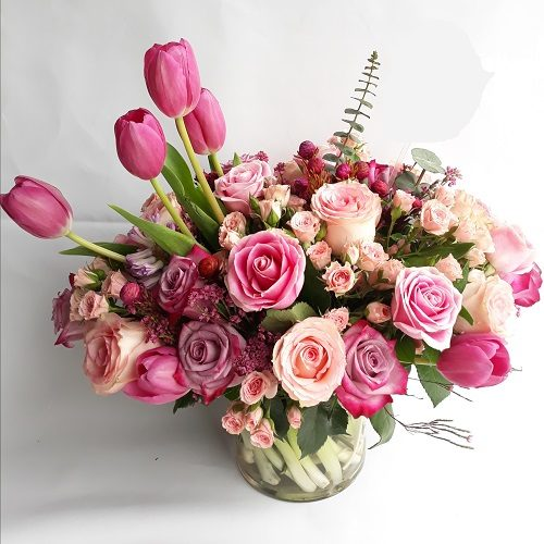 Royal Glory by RainFlorist Bahrain Flowers delivery