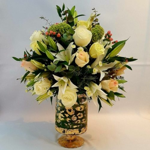 Delightful by RainFlorist Bahrain Flowers Delivery