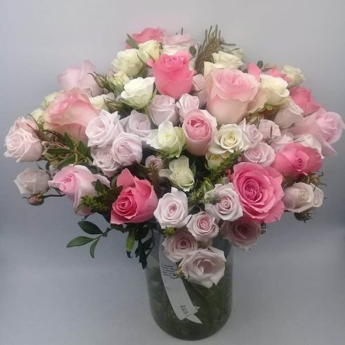 Rosley by Rainflorist Bahrain Flowers Delivery
