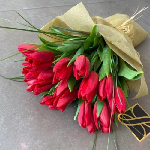Tulip Ruby by Le Cadeau Bahrain Flowers and Chocolates Delivery