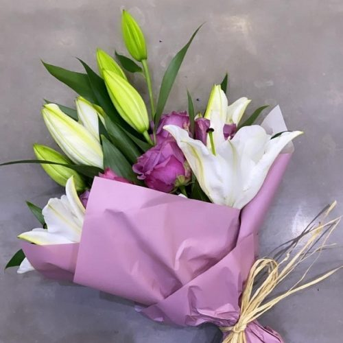 Cool Bloom by Le Cadeau Bahrain Flowers Delivery
