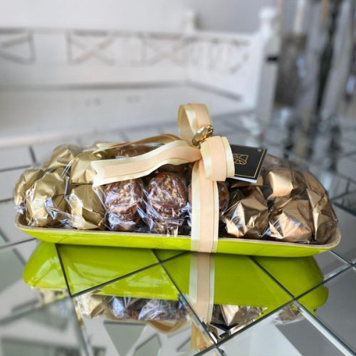 Classic Treat by Le Cadeau Bahrain Chocolate Delivery