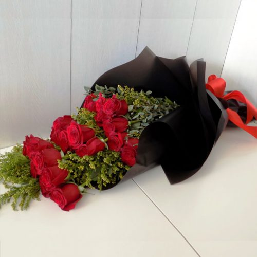 Blissed Roses by Magic Touch Flowers Bahrain Delivery