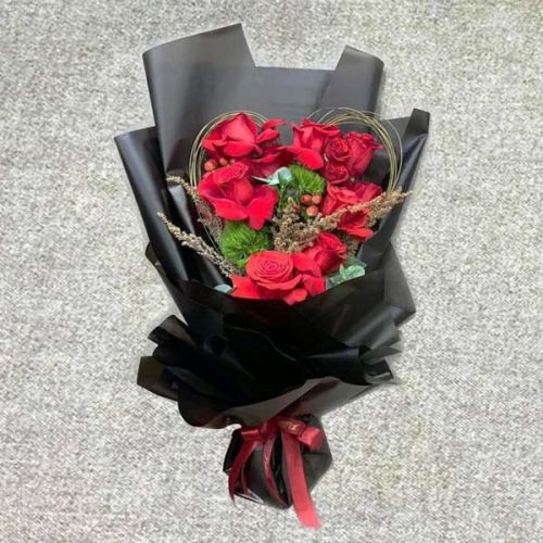 Rosy Dreams by Petals Bahrain Flowers Delivery