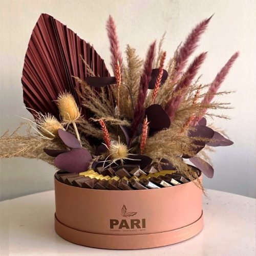 Charming Box by Pari Flowers Chocolates Bahrain Delivery