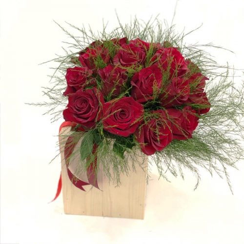 Medlyn Love by Heaven Garden Flowers Bahrain Delivery