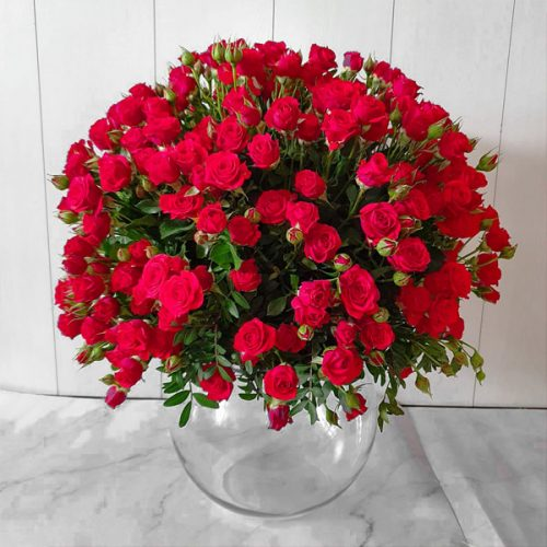 Rose Cluster by Magic Touch Flowers Bahrain Delivery