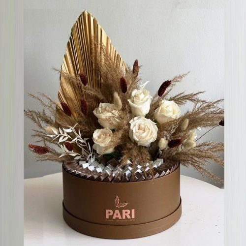 Sweet Love by Pari Flowers Chocolates Bahrain Delivery