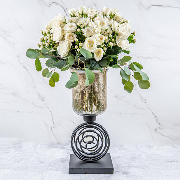 White Spray By Le Cadeau Flowers Delivery Bahrain