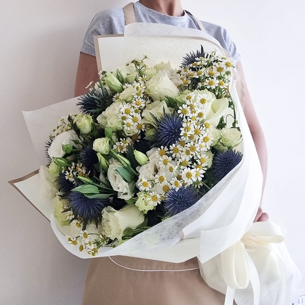 White Blossom By Flour and Flower Bahrain Flowers Delivery